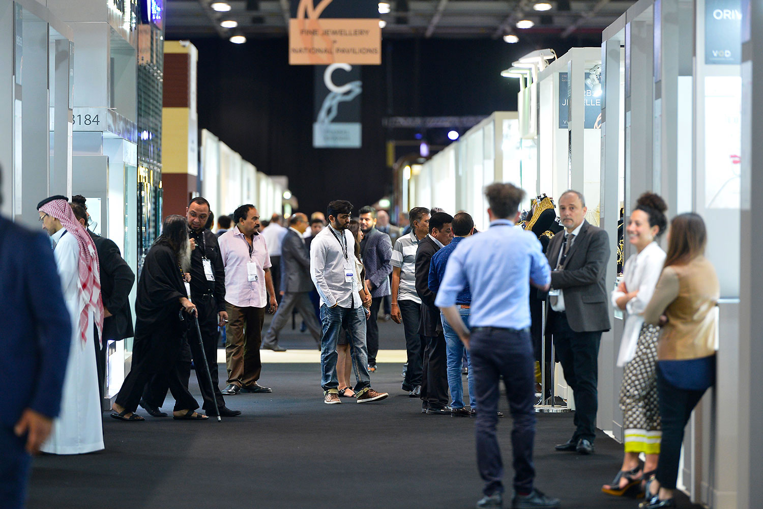 https://www.jewelleryshow.com/images/highlights/highlights-2016-dubai/highlits-dubai-vod-2016-3.jpg