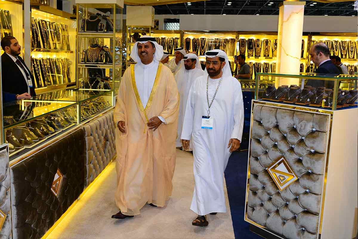 Excitement all around as VOD Dubai International Jewellery Show 2018 was declared officially open at a jampacked first day.