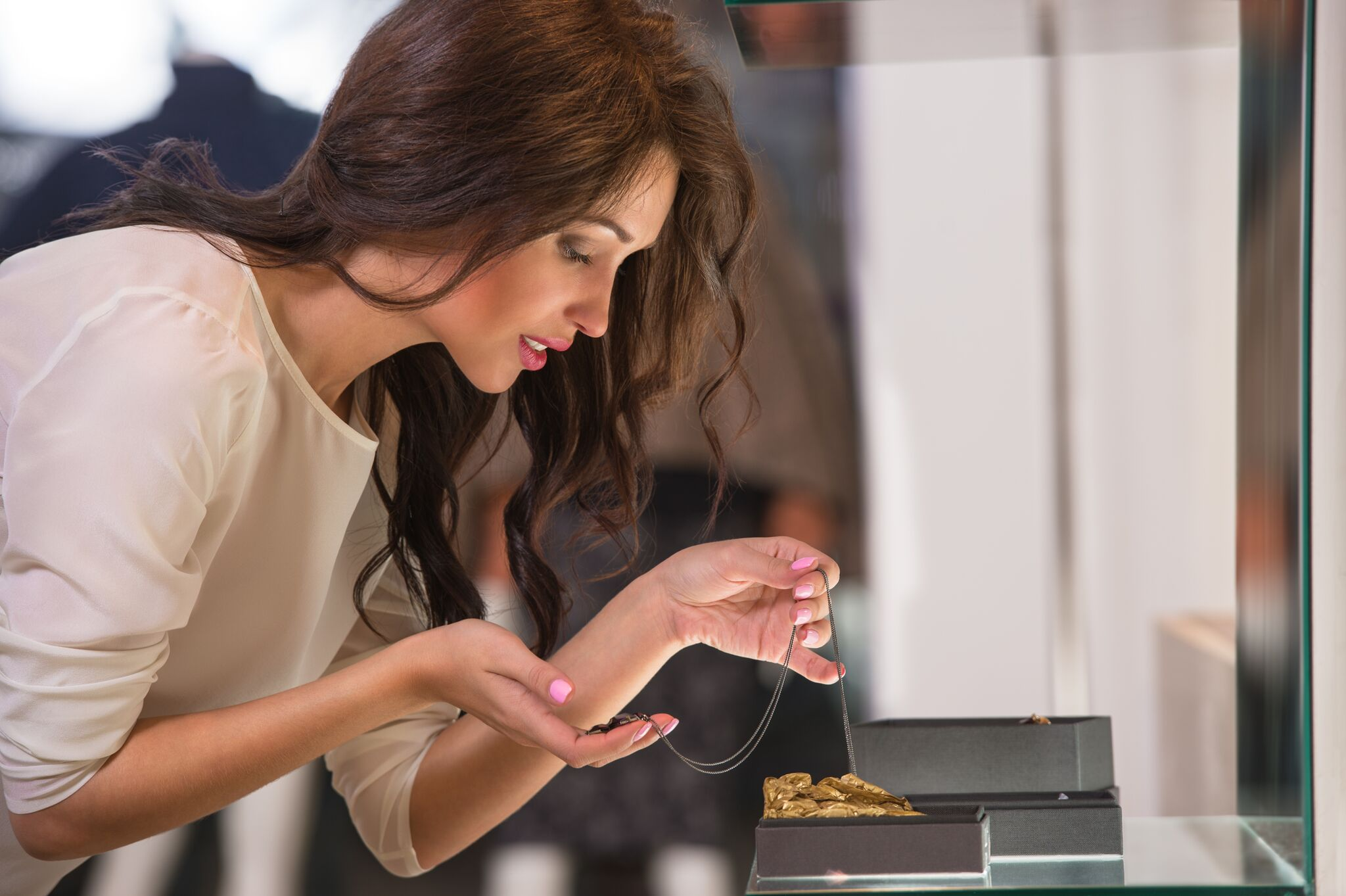 Millennial women more likely to buy jewellery for themselves